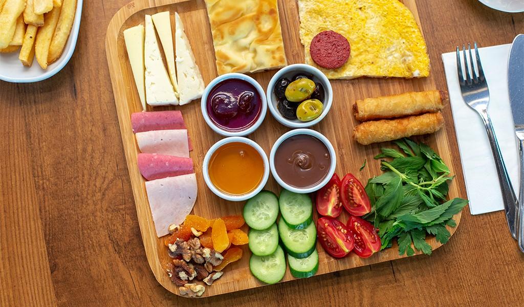 Günün Her Saatinde Yemek Keyfi İçin Keyfi İkram