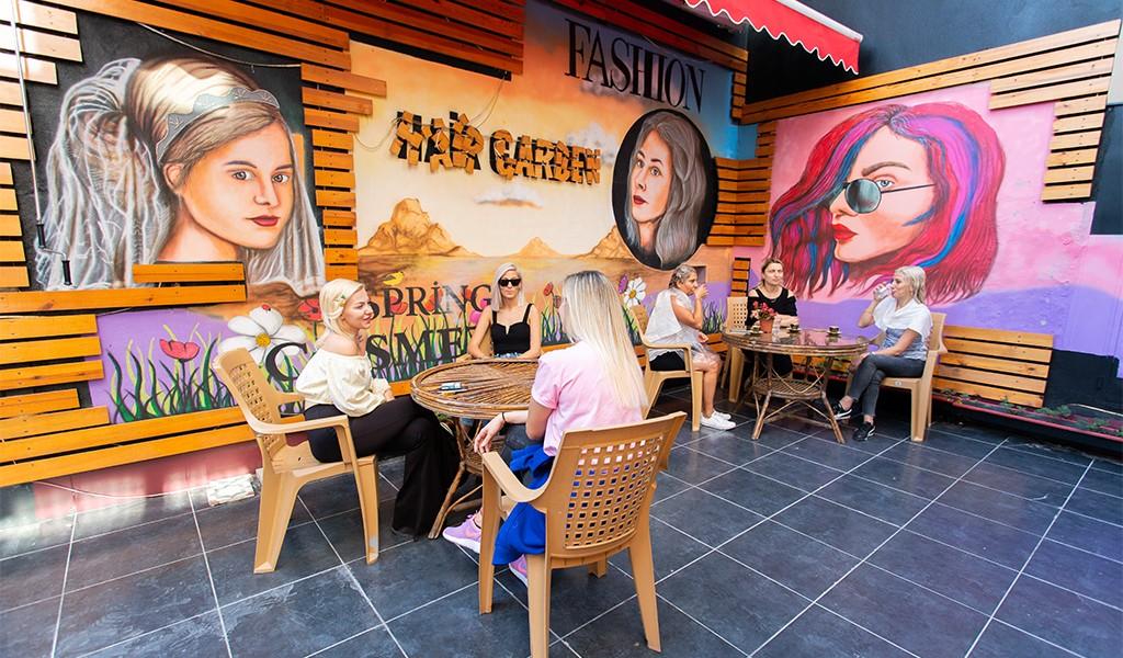 Sarı Saçın İhtişamlı Sanatçıları:  Hair Garden